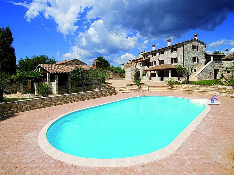 - aparthotel