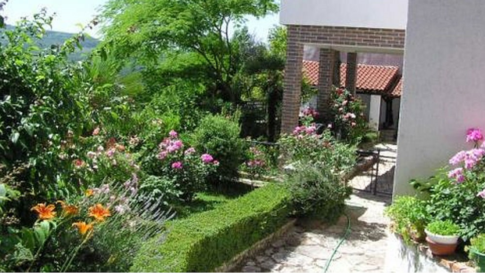 - 2 bedroom, sleeps max. 6 persons
