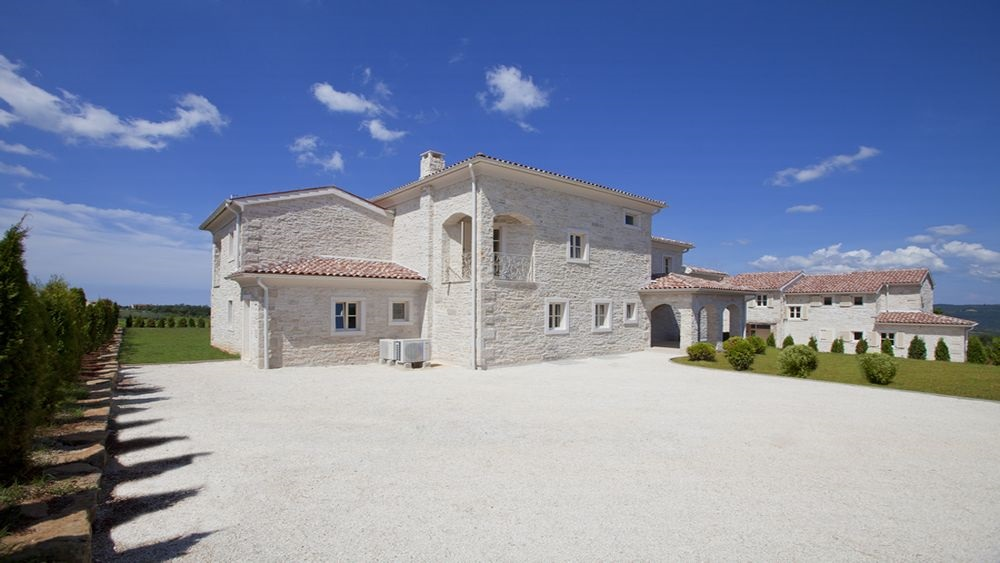 Villa in Istria parking area