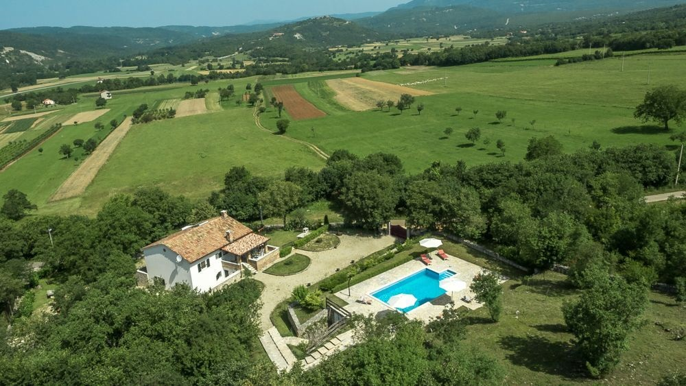 - Holiday cottage: 152 m2