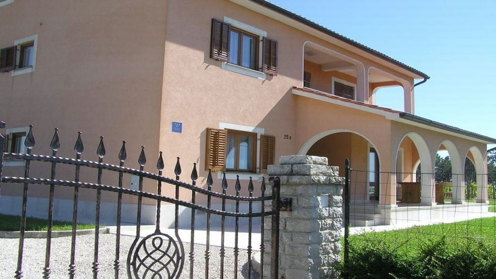 - new villa with pool 