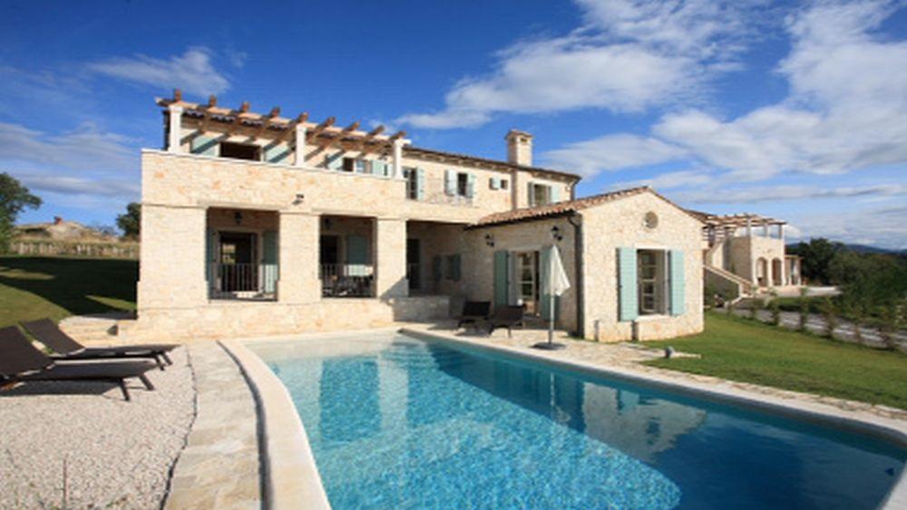- Stone Villa, 210 m²   Price:  1300€ - 2.900€/week - rustical style  - 4 Bedrooms - Sleeps 8, - 3 bathrooms, 1 Separate WC - Facilities: village, pool, garden, terrace, balcony