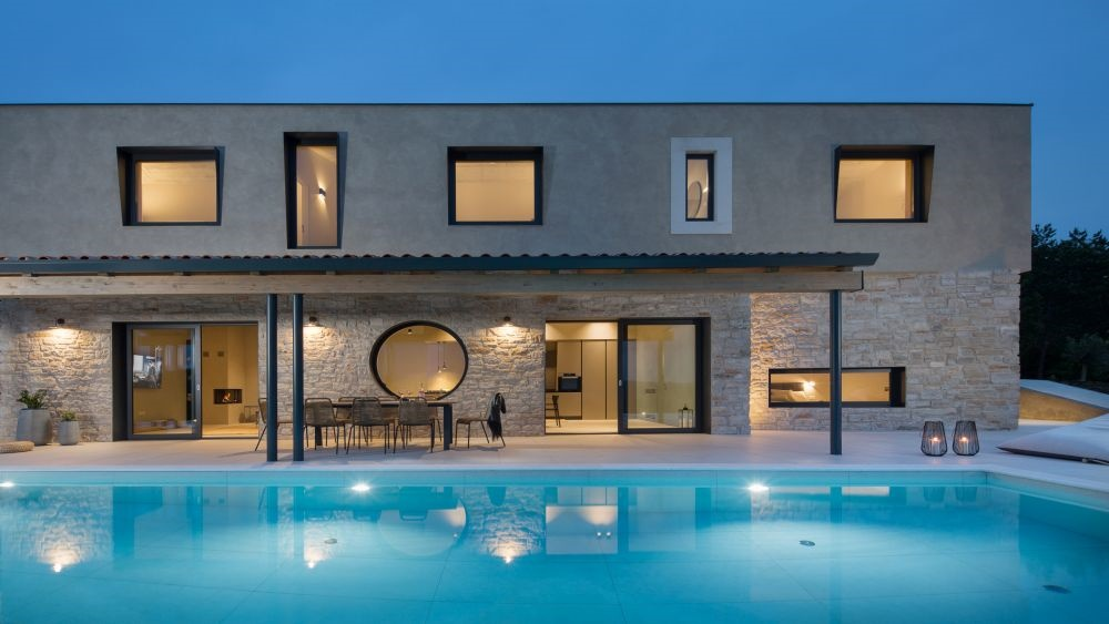- modern fully equipped villa - quiet village - stunning nature and views - full comfort - great privacy