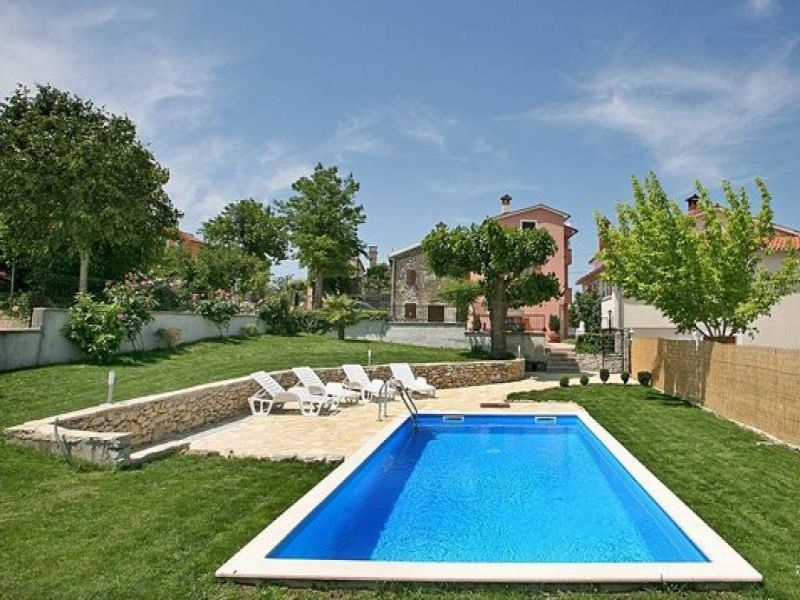 - 4 double bedrooms