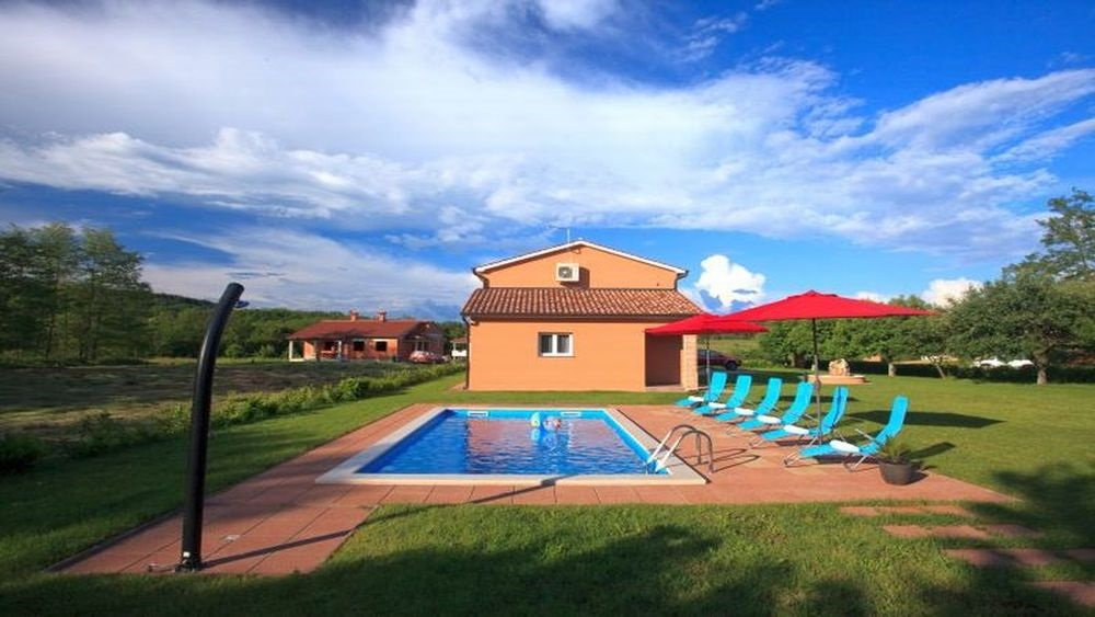 - villa with pool   Price from 750 Eur per week - large garden 2500m2 - private pool, barbecue - secured parking - wifi internet connection - 4 bedrooms, 2 bathrooms - outside children's playground, inside small gym with game room - ideal for families  - children wellcome