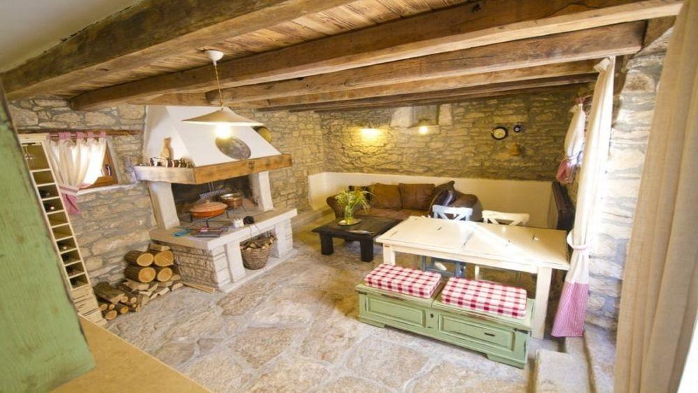 Stone holiday house Motovun